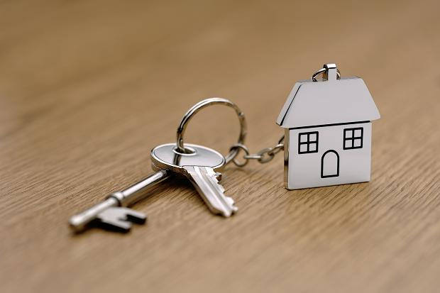 Using a Mortgage Broker to Secure Your First Mortgage