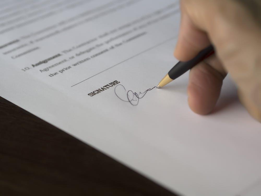 Signing a documentation