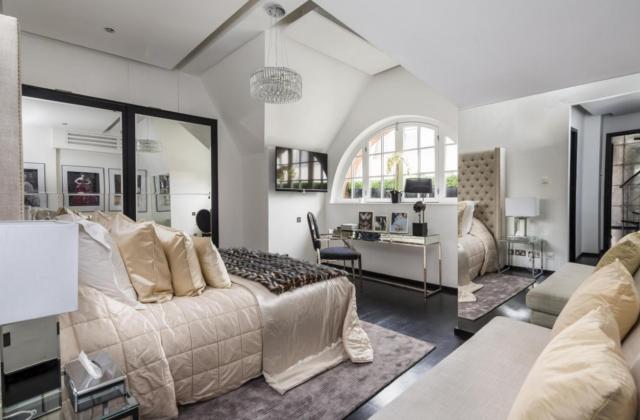 7 celebrities' homes that went up for sale - Alexander McQueen