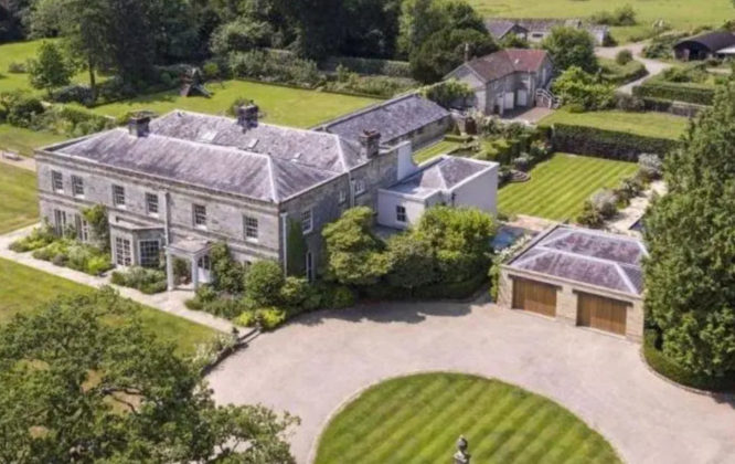 8 celebrity homes that went up for sale over the past 12 months