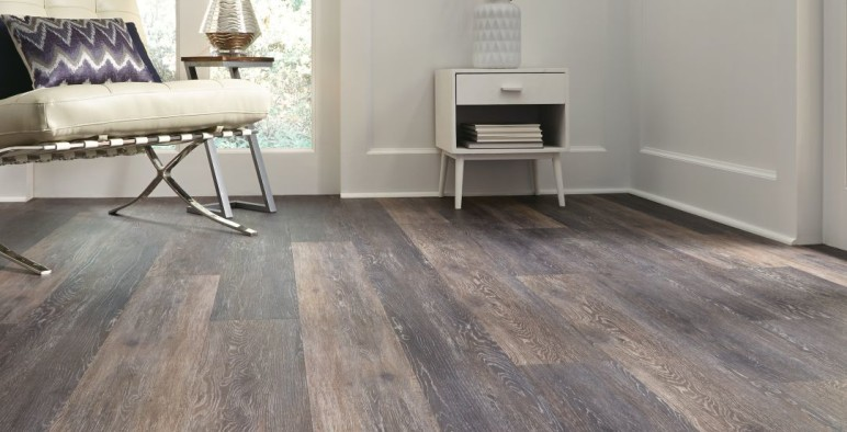 Six Simple Ways to Keep Your Vinyl Floors Sparkling Clean